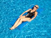 Kai Infinity Pool Float - Pacific Blue